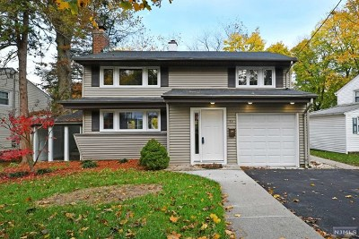 Waldwick Single Family Home For Sale: 43 Campbell Street