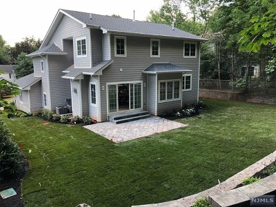 Tenafly Single Family Home For Sale: 39 Country Club Road