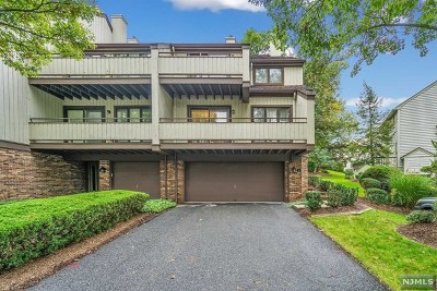 Leonia Condo/Townhouse For Sale: 11 Meadowview Court