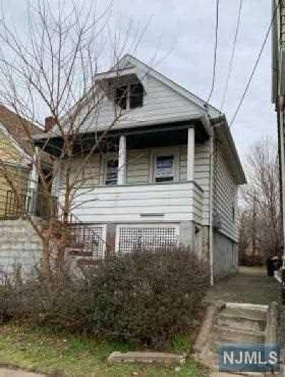 Bergen County Single Family Home For Sale: 52 Jewell Street