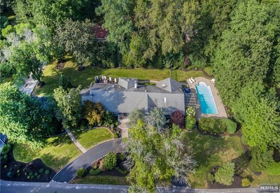 Bergen County Single Family Home For Sale: 481 Ivy Avenue