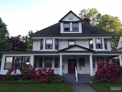 Hackensack Single Family Home For Sale: 331 Lookout Avenue