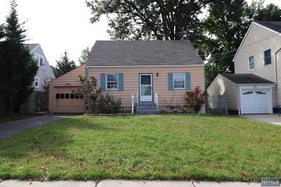 Hackensack Single Family Home For Sale: 447 Simons Avenue