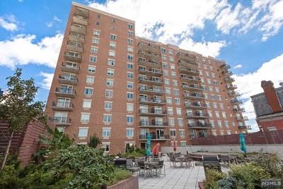 Union City Condo/Townhouse For Sale: 3312 Hudson Avenue #4l
