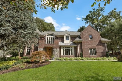 Closter Single Family Home For Sale: 17 Pinehill Road