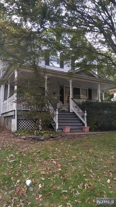 Ridgewood Single Family Home For Sale: 286 South Maple Avenue