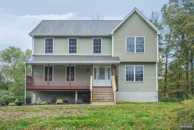 West Milford Single Family Home For Sale: 834 Warwick Turnpike