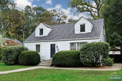 Tenafly Single Family Home For Sale: 54 Jewett Avenue