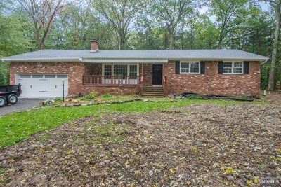 West Milford Single Family Home For Sale: 7 Coolidge Terrace