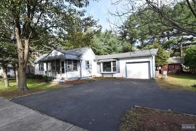Morris County Single Family Home For Sale: 15 Munn Avenue
