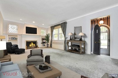 Teaneck Single Family Home For Sale: 60 Minell Place