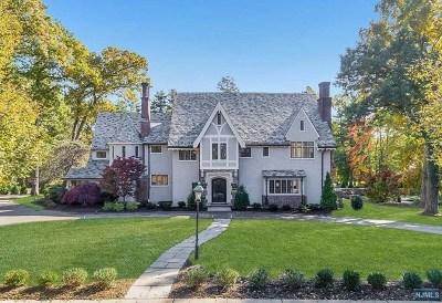 Ridgewood Single Family Home For Sale: 401 Mountain Avenue