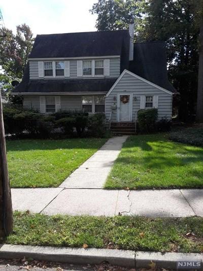 Teaneck Single Family Home For Sale: 296 Edgewood Avenue