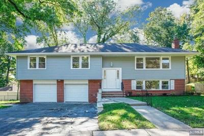 Teaneck Single Family Home For Sale: 250 Farragut Court