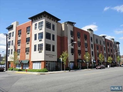 North Bergen Condo/Townhouse For Sale: 9252 Kennedy Boulevard #410