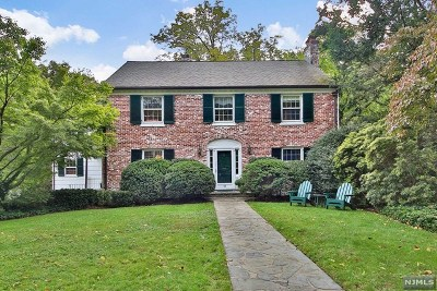 Essex County Single Family Home For Sale: 21 Greenview Way