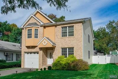 Rochelle Park Single Family Home For Sale: 30 Lexington Avenue