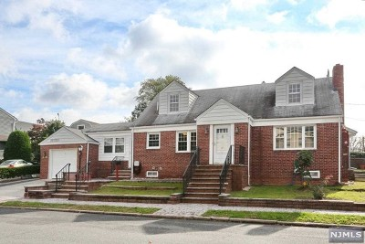 Hasbrouck Heights NJ Single Family Home For Sale: $448,888