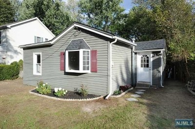Wanaque Single Family Home For Sale: 3 New Street