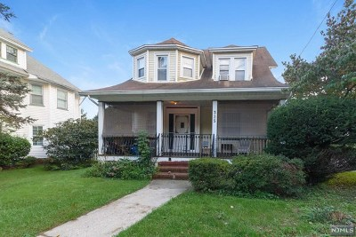 Ridgewood Single Family Home For Sale: 325 South Maple Avenue