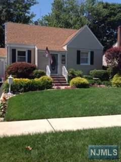 Hackensack NJ Single Family Home For Sale: $315,000