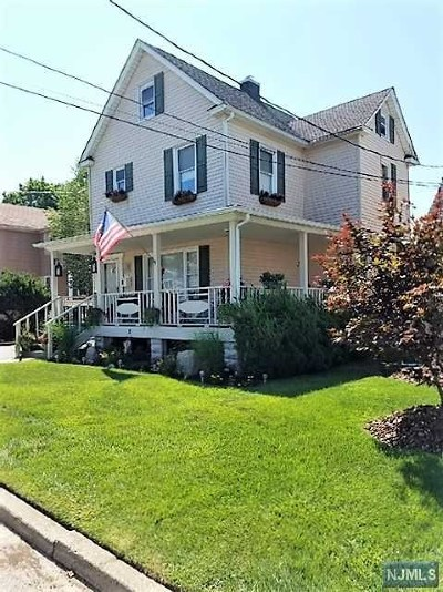 Bergenfield Single Family Home For Sale: 58 Hillside Avenue