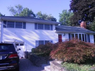 Ramsey NJ Single Family Home For Sale: $440,000