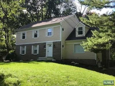 Wyckoff Single Family Home For Sale: 215 Oak Avenue