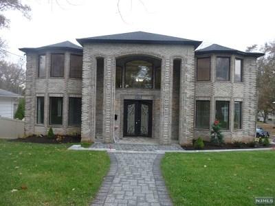 Paramus Single Family Home For Sale: 483 Cedar Lane