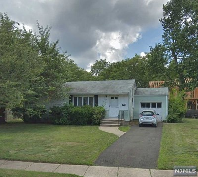 Paramus Single Family Home For Sale: 623 West Drive