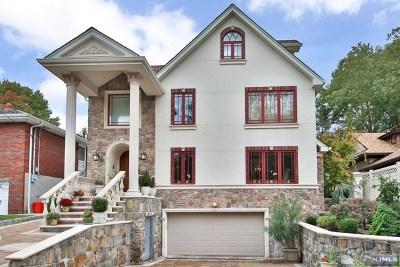 Cliffside Park Single Family Home For Sale: 19 Oakdene Avenue