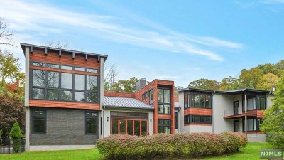 Saddle River Single Family Home For Sale: 3 Fox Hedge Road