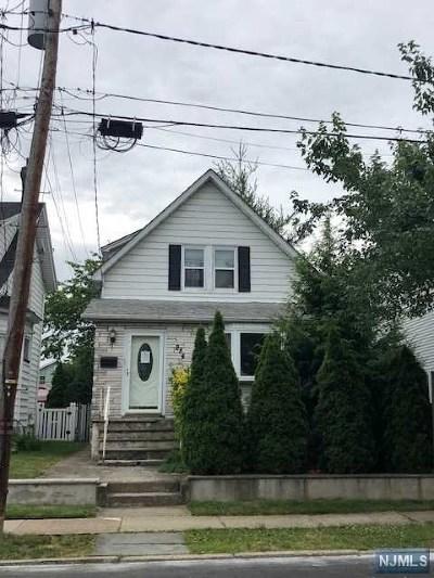 Lyndhurst Single Family Home For Sale: 284 Lyndhurst Avenue