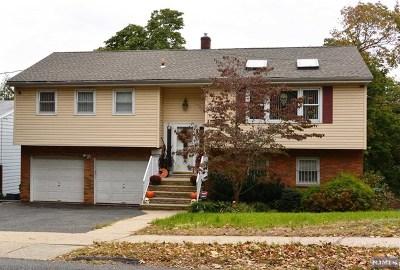 Ridgefield Single Family Home For Sale: 842 Edgewater Avenue