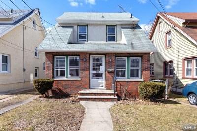 Carlstadt Single Family Home For Sale: 614 Monroe Street