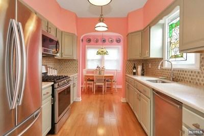 Teaneck Single Family Home For Sale: 3 Oak Street