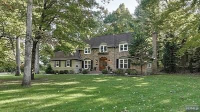 Wayne Single Family Home For Sale: 1055 West Pines Lake Drive