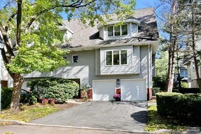 Glen Rock Condo/Townhouse For Sale: 49 Iris Circle
