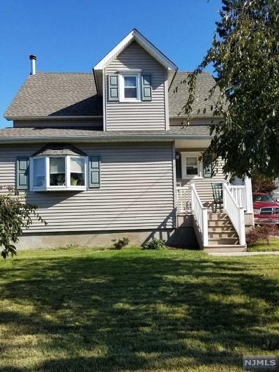 Wanaque Single Family Home For Sale: 1216 Ringwood Avenue