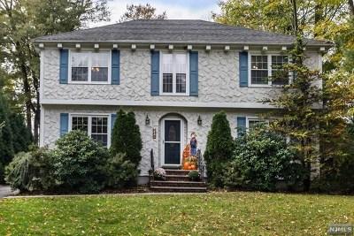 Mahwah Single Family Home For Sale: 8 Greene Street