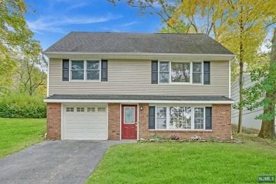 Oakland Single Family Home For Sale: 56 Walton Avenue