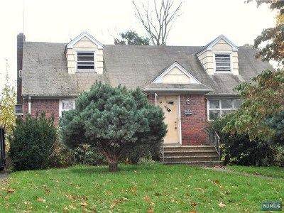 Bergenfield Single Family Home For Sale: 64 Grove Street