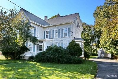 Waldwick Single Family Home For Sale: 88 Hopper Avenue
