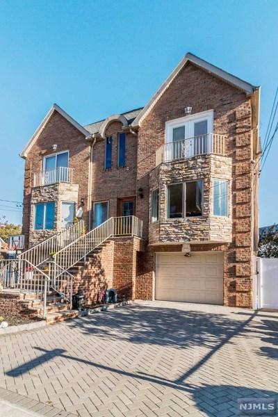 Cliffside Park Condo/Townhouse For Sale: 25 Lawton Avenue