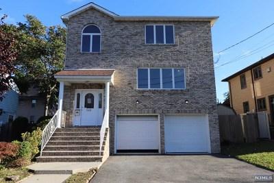 Lyndhurst Single Family Home For Sale: 543 Laurel Avenue