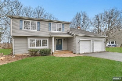 West Milford Single Family Home For Sale: 71 Rolling Ridge Road