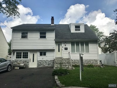 Ridgefield Single Family Home For Sale: 385 Walnut Street