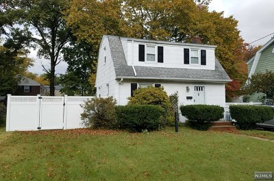 Leonia Single Family Home For Sale: 796 Grand Avenue