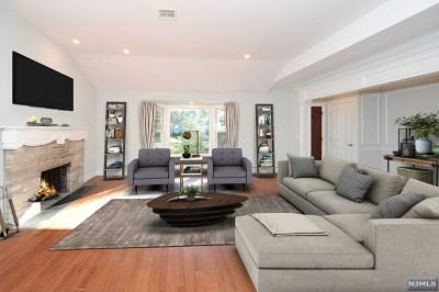 Ridgewood Single Family Home For Sale: 414 Van Emburgh Avenue