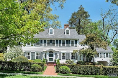 Essex County Single Family Home For Sale: 59 Warren Place